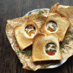 猪鹿蝶サンドイッチ